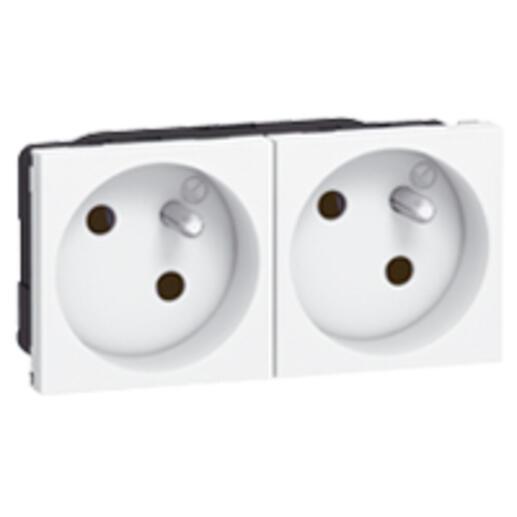 Double prise de courant 2P+T inclinées à 45° précâblées IK07 Mosaic 4 modules avec bornes automatiques - blanc