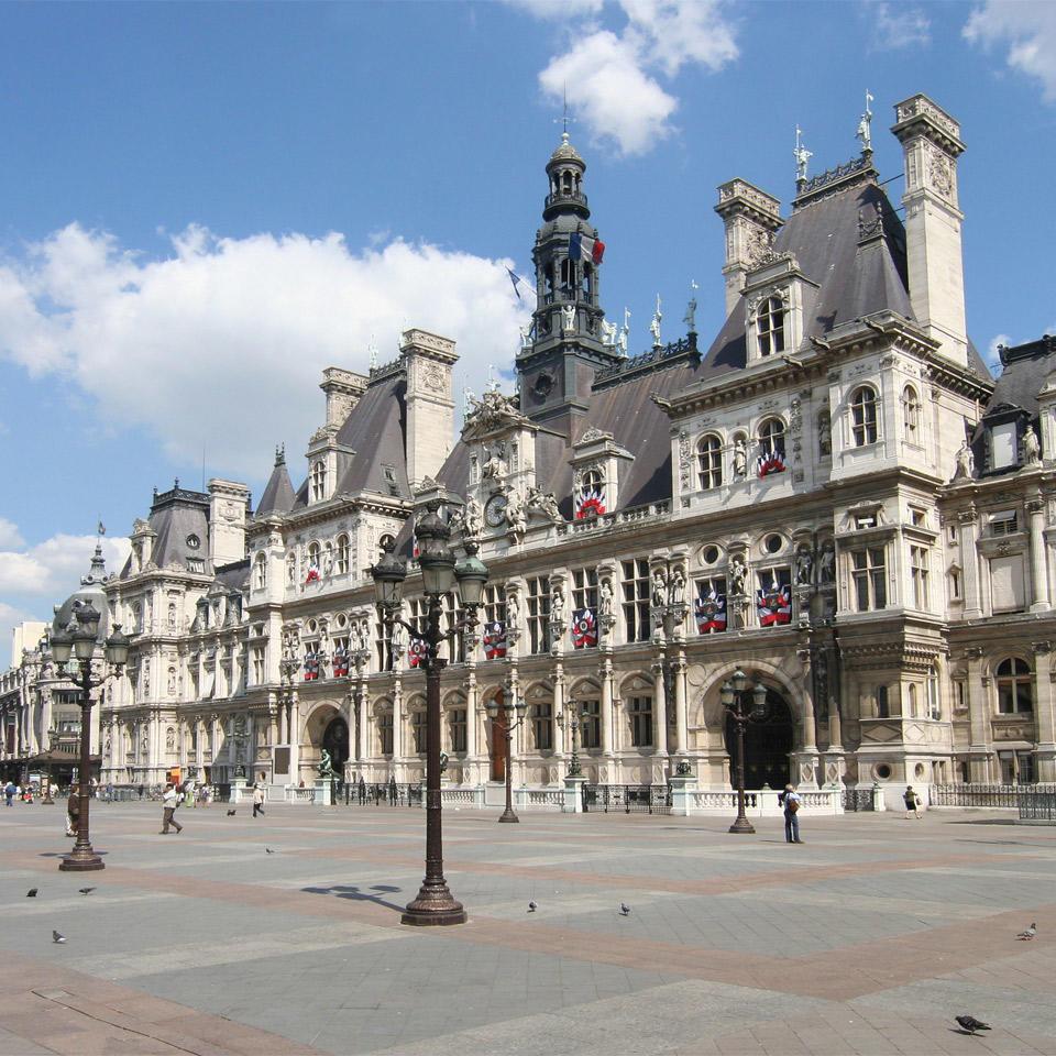 economie d nergie la mairie de paris choisit legrand espace pro legrand. Black Bedroom Furniture Sets. Home Design Ideas