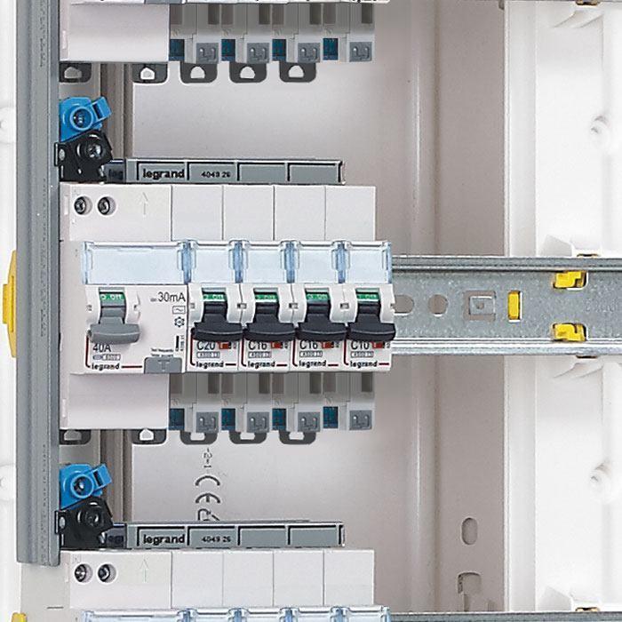 Que faire quand un disjoncteur saute ou ne se r arme pas espace grand public legrand - Probleme electrique maison court circuit ...