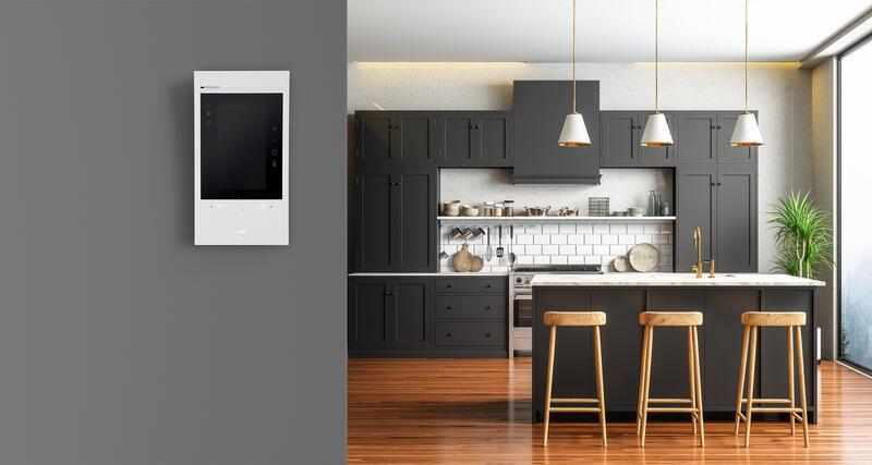 Poste intérieur connecté Classe 300EOS with Netatmo avec écran 5pouces vertical, assistant vocal Alexa intégré et boucle inductive