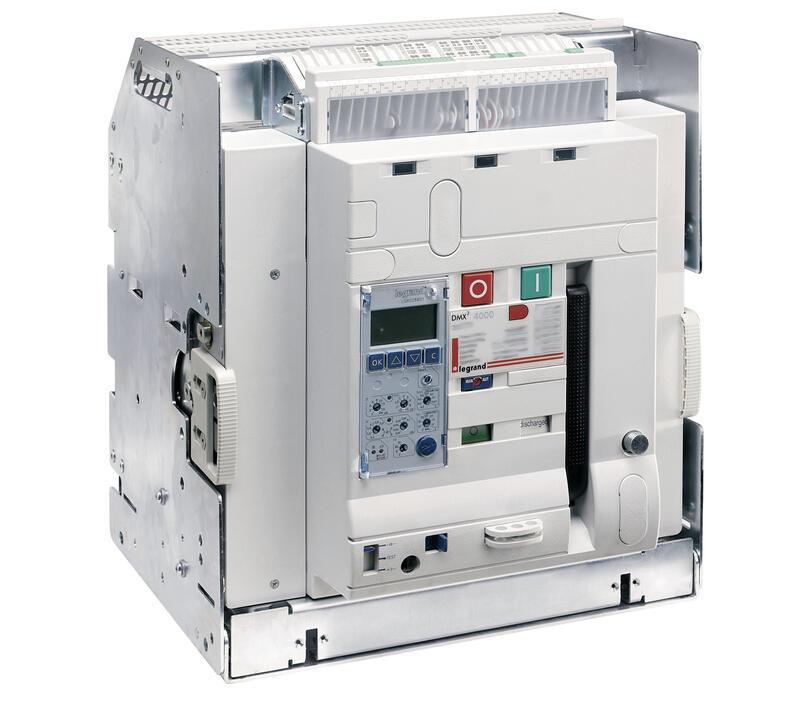 Disjoncteur ouvert débrochable DMX³2500 pouvoir de coupure 100kA taille 2 - 3P 1250A