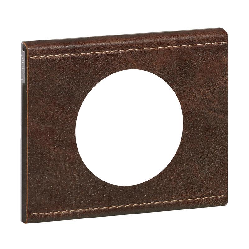 Plaque de finition Céliane - Matière Cuir Brun Texturé - 1 poste